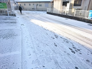 H30雪かき3.JPG